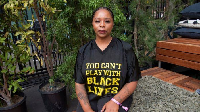 """Lascia la cofondatrice di """"Black lives matter"""""""