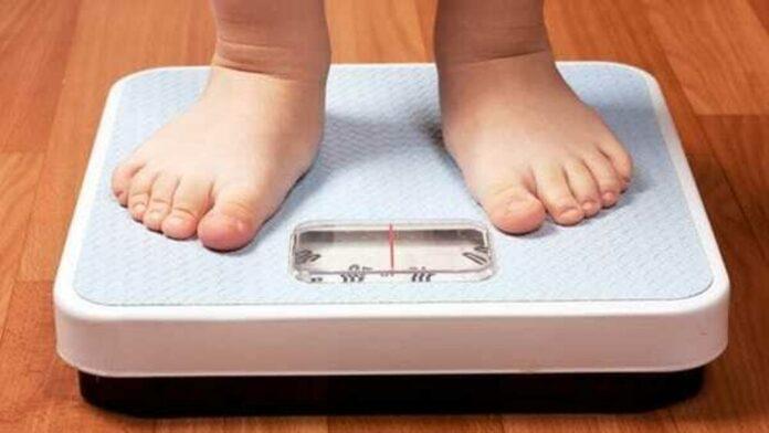 Pandemia, effetti a tavola: un bambino su tre è obeso