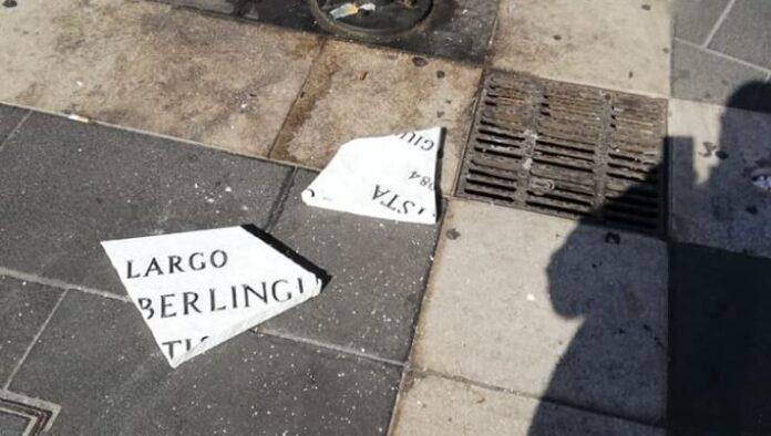 Enrico Berlinguer, vandalizzata ancora targa a Napoli
