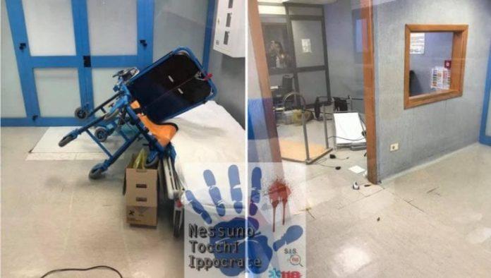 Villa Betania: paziente distrugge pc e barella nel Ps