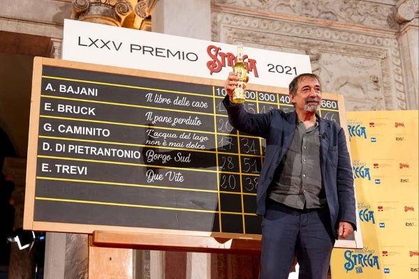 Premio Strega 2021, vince Emanuele Trevi con