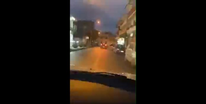 Sirene dei carabinieri durante la corsa in auto: denunciato
