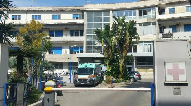 Sorrento, donna aggredisce infermiera in ospedale