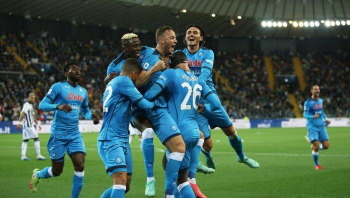 Napoli show: 4-0 a Udine e primato solitario